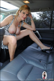 Milf lady sonia spreading in a car - Unique Bondage - Pic 6