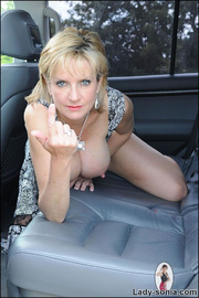 Milf lady sonia spreading in a car - Unique Bondage - Pic 7