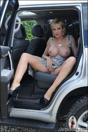Milf lady sonia spreading in a car - Unique Bondage - Pic 8