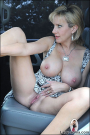 Milf lady sonia spreading in a car - Unique Bondage - Pic 9