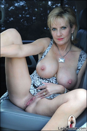 Milf lady sonia spreading in a car - Unique Bondage - Pic 10