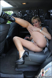 Milf lady sonia spreading in a car - Unique Bondage - Pic 12