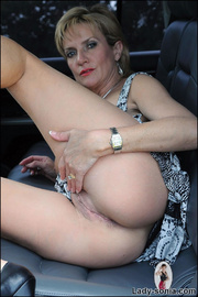 Milf lady sonia spreading in a car - Unique Bondage - Pic 13