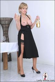 Classy busty nylons mature - Unique Bondage - Pic 8