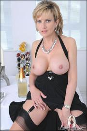 Classy busty nylons mature - Unique Bondage - Pic 11