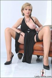Classy british mature masturbating - Unique Bondage - Pic 8