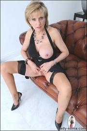 Classy british mature masturbating - Unique Bondage - Pic 10