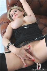 Classy british mature masturbating - Unique Bondage - Pic 12