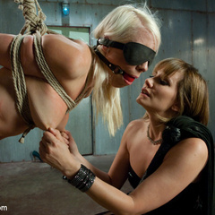 Lorelei Lee is reduced to common whore - Unique Bondage - Pic 2