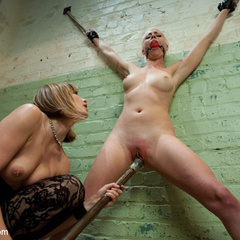 Lorelei Lee is reduced to common whore - Unique Bondage - Pic 3