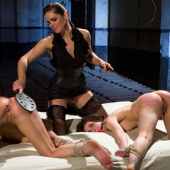 2 sluts try to satisfy 2012's AVN performer - Unique Bondage - Pic 11