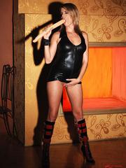 Blonde babe Lara in latex masturbating with - Unique Bondage - Pic 4