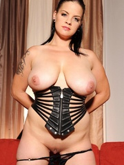 Busty hot wild Mandy May poses her body in - Unique Bondage - Pic 8
