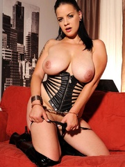 Busty hot wild Mandy May poses her body in - Unique Bondage - Pic 9