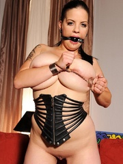 Busty hot wild Mandy May poses her body in - Unique Bondage - Pic 10