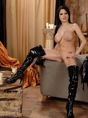Hot young busty babe Alison shows her body - Unique Bondage - Pic 9