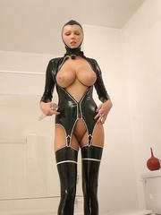 Hot Porn Star Hanna Hilton in a tight - Unique Bondage - Pic 6