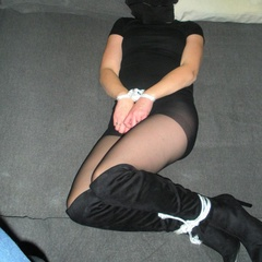 Blindfolded and tied up hotties are ginna be - Unique Bondage - Pic 8