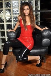 Jennifer red black - Unique Bondage - Pic 12