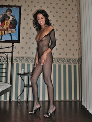 Mature woman Claudia in crotchless - Sexy Women in Lingerie - Picture 9