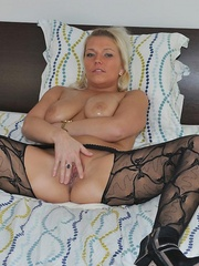 Nasty blonde sarah in black - Sexy Women in Lingerie - Picture 2