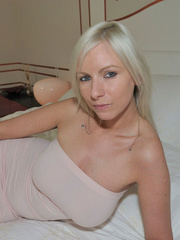 Blonde babe Alexis in sexy tube - Sexy Women in Lingerie - Picture 4