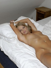 Sabina loves to show how horny she - Sexy Women in Lingerie - Picture 2