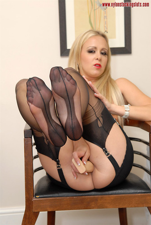 Mature blonde milf in black nylons and o - XXX Dessert - Picture 3