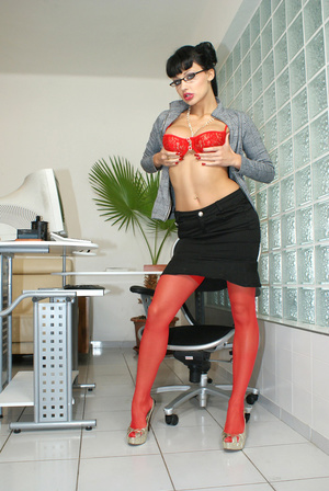 Hot office babe Aletta Ocean in red stoc - XXX Dessert - Picture 5