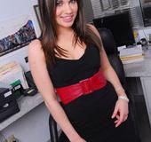 Brunette hot office secretary Dakoda Brookes