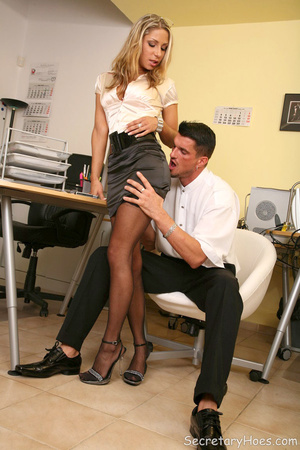 Blonde office slut Amy gets fucked in st - XXX Dessert - Picture 4