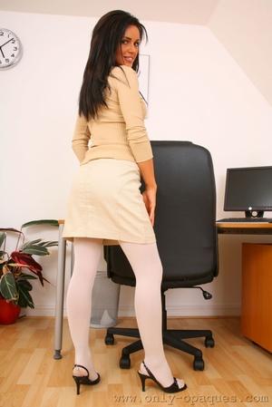 В колготках секретарши фото