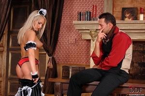 Blonde slut Britney Spring gets her ass  - XXX Dessert - Picture 2