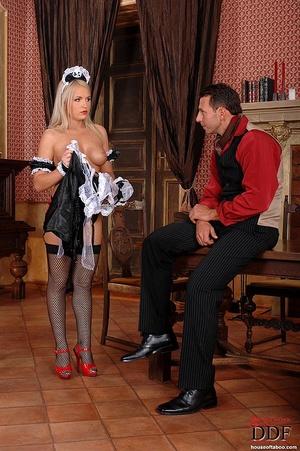 Blonde slut Britney Spring gets her ass  - XXX Dessert - Picture 4