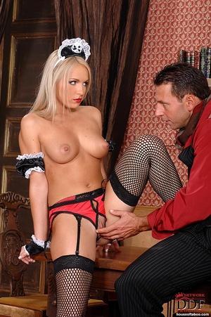 Blonde slut Britney Spring gets her ass  - XXX Dessert - Picture 5