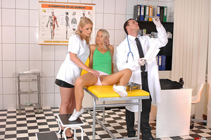 Hot blondes Niki Sabrina in deviant thre - XXX Dessert - Picture 9