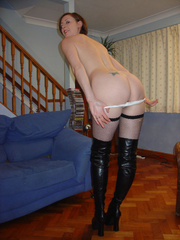 Brunette housewife in fishnet stockings gets her - XXXonXXX - Pic 3
