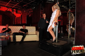 Sexy blonde clubgirl anal screwed and ge - XXX Dessert - Picture 1