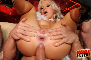 Sexy blonde clubgirl anal screwed and ge - XXX Dessert - Picture 6