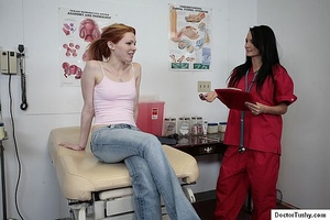 Sex nurse examines a naked brunette girl - XXX Dessert - Picture 1