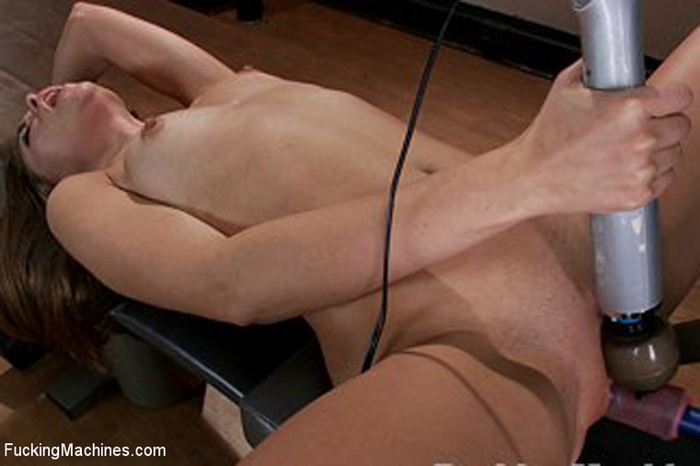 Fucking machines give women a bigger and - Unique Bondage - Pic 5