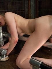 She pees while the sex machine continues - Unique Bondage - Pic 5