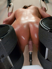 Hot babe satisfied by mechanical fucking - Unique Bondage - Pic 6