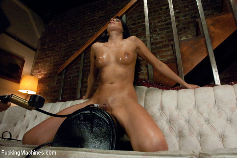 She reaches her best orgasm ever using a - Unique Bondage - Pic 12