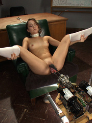 Mechanical fucking machines for a good fuck - Unique Bondage - Pic 9