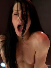 She likes to se vibrators and fucking - Unique Bondage - Pic 15