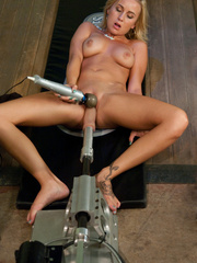 Fucking machines can get you very relaxed - Unique Bondage - Pic 3