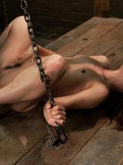 Spreading her legs for hardcore fucking - Unique Bondage - Pic 3