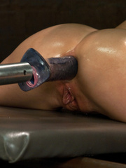 Spreading her legs for hardcore fucking - Unique Bondage - Pic 8