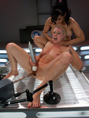 Hot babes licking and fucking their pussies - Unique Bondage - Pic 6